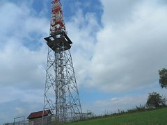Rozhledna Rovnina je vysoká pětapadesát metrů.