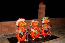 STRAŠNÝ VEČER. Kpodzimní atmosféře prvního říjnového pátku budou naModré patřit dýňoví strašáci.