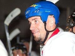 Josef Mikeš vstřelil při své premiéře v hradišťském dresu dva góly, a tak se mohl spokojeně usmívat.