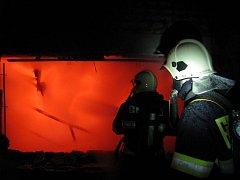 Požár rekreační chalupy ve Starých Hutích.
