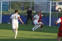 Právě tento souboj útočníka Slovácka Ondřeje Šašinku s otrokovickým stoperem Filipem Markovičem posoudil sudí Drozdy jako penaltový.