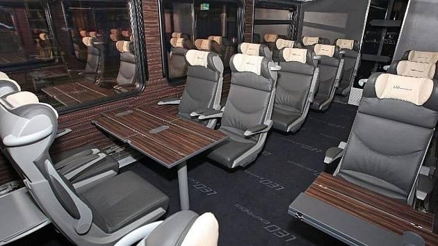 Vlaková souprava pojme 237 cestujících. Zákazníkům nabídne internet či polohovatelné sedačky.