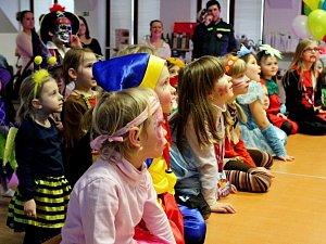 Dětská drobotina si užívala pohádkový karneval
