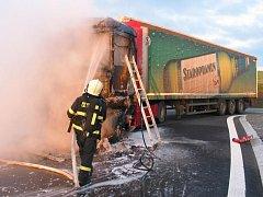 Mezi Uherským Brodem a Bánovem, došlo k rozsáhlému požáru tahače nákladní soupravy zn. Renault Magnum.