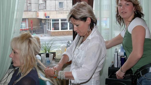 Denně dělá Zdena i dvanáct a více hodin. Přesto ji práce baví a nelituje toho, že si otevřela vlastní kadeřnické studio.