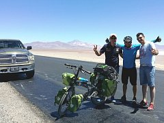Při své cestě po Jižní Americe dorazil Mirek Šlegl na svém kole až k hranicím Bolívie.