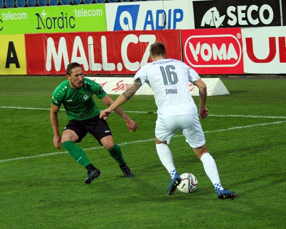 Fotbalisté Slovácka (v bílých dresech) v sobotní dohrávce 4. kola FORTUNA:LIGY hostili poslední Příbram.