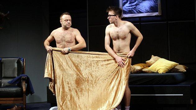 Hra Dva úplně nazí muži! ve Slováckém divadle