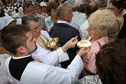 Cyrilometodějské slavnosti na Velehradě u příležitosti 1150. výročí příchodu sv. Cyrila a Metoděje na Velkou Moravu.