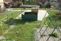 Zahrada za školkou ve Strání nabídne od druhé poloviny příštího roku nový mobiliář i další způsoby využití plochy.