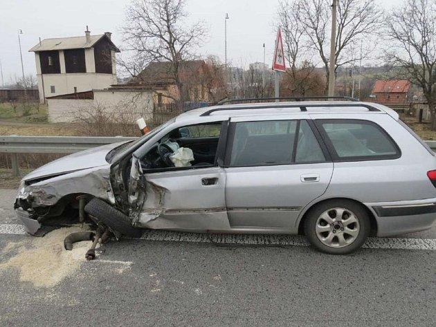 Pravděpodobně únava stála za srážkou Peugeotu s kamionem v Kunovicích.