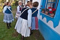 S ukázkou vaření povidel přišli o poslední zářijové neděli v Bystřici pod Lopeníkem členové občanského sdružení Slovácká dědina ve spolupráci s tamní radnicí.