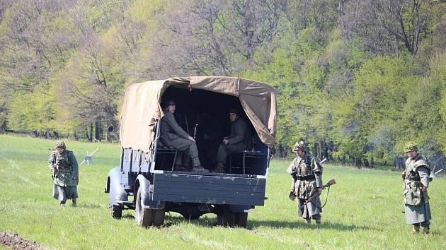 Ve Strání oslaví 73. výročí od osvobození obce přehlídkou vojenské techniky. Nebude chybět nákladní automobil, Hakl či vojenský arsenál.