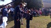 Zahradní slavnosti k zahájení školního roku 2017/2018 se ve Tvořivé základní škole Jarošov zúčastnil tajemník městského úřadu Uherské Hradiště Josef Botek. Přivítal tak prvňáčky zároveň s ředitelem školy Pavlem Jančářem.