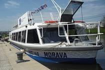Loď Morava v přístavišti na řece Moravě. Ilustrační foto.