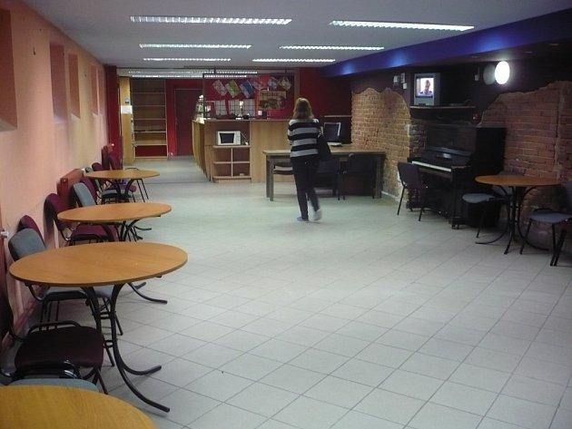 Zprovoznění volnočasového klubu zbrzdila rekonstrukce jídelny. Zařízení by tak mohlo být v provozu na jaře příštího roku.