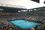 Australian Open očima novináře ze Slovácka. Centrální dvorec Roda Lavera, Utkání Federer vs Djokovič