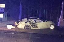 V pátek 28. února těsně před půl desátou večer na začátku Hluku ve směru od Dolního Němčí u odbočky na Vlčnov havaroval ve vysoké rychlosti osobní automobil značky BMW.