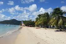 Ostrov Martinik v Karibském moři má nádherné pláže.