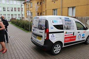 Senior centrum v Uherském Hradišti převzalo nové auto