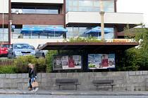 Autobusová zastávka v Uheském Brodě.