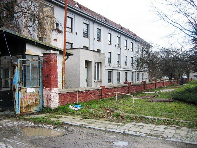 Objekt bývalých kasáren v Uherském Hradišti.
