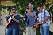 V rozpáleném nedělním odpoledni (4 .srpna) přivítal Uherský Brod legendární country a bluegrassovou kapelu Poutníci.