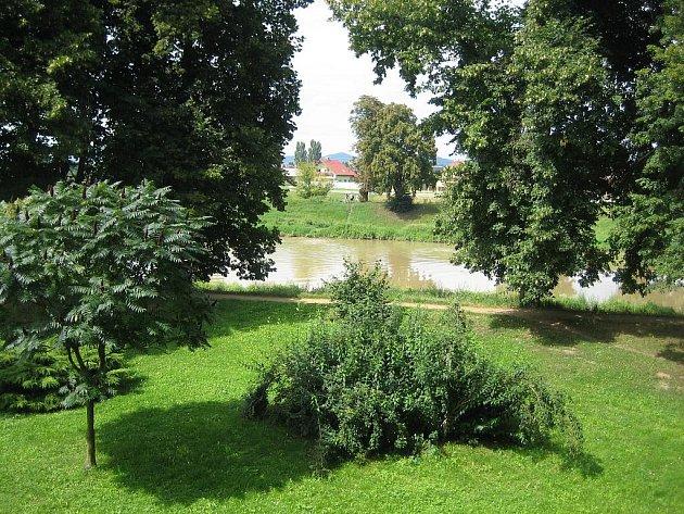 Řeka Morava v Uherském Hradišti. Ilustrační foto.