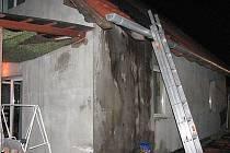 Hořela střecha domku v Kněžpoli.