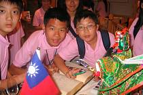 Členové pěveckého sboru z Tchaj–wanu.