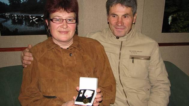 Manželé Sklenkovi už jsou nositeli zlaté plakety Jana Janského.