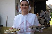 Hlucké tetičky vařily starodávné pokrmy.