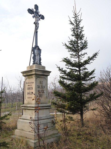 Křížek Nad Zahrádkami nad Buchlovicemi.