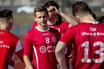 Fotbalisté Uherského Brodu podlehli Novému Městu na Moravě 0:2. Na snímku záložník Tomáš Ťok.