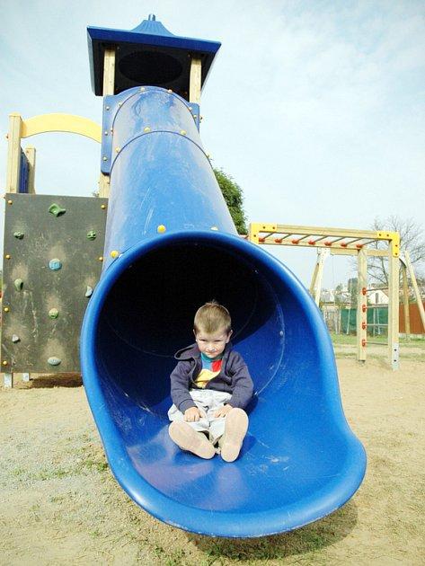 Již dnes dětské hřiště v Modré navštěvují i obyvatelé okolních vesnic.