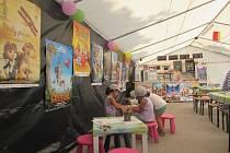 Dětský stan u Slovácké búdy nabízí nejmenším rozličné tvůrčí aktivity.