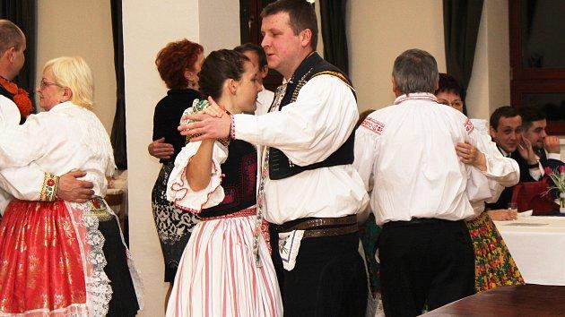 Krojový ples v Hluku 2018
