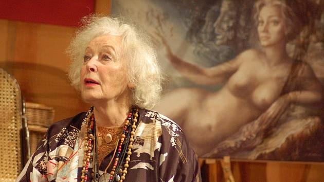 Květa Fialová v roli Maude.
