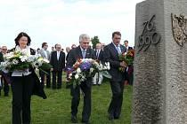 Své bratrství na Velké Javořině v neděli stvrdily stovky Čechů a Slováků.