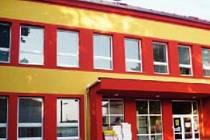 Březolupská škola mění fasádu