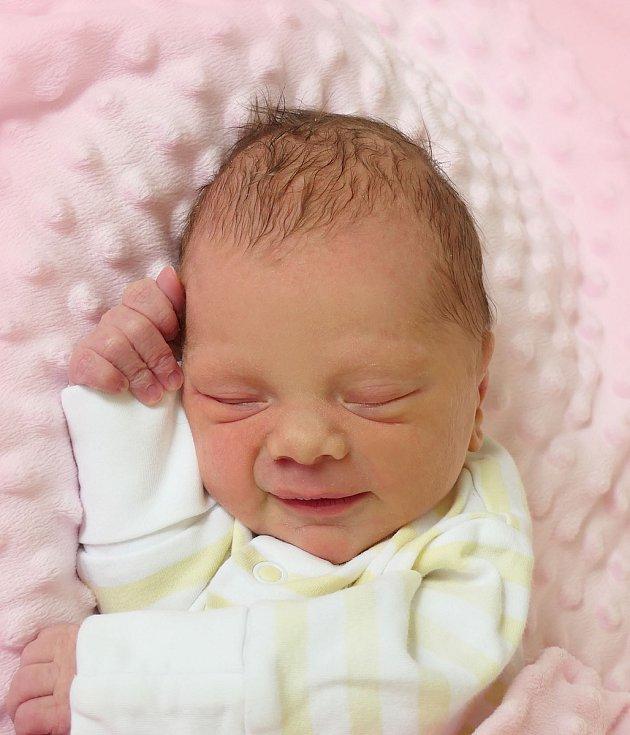 Sofie Sentlová, Uherské Hradiště, narozena 14. dubna 2021 v Uherském Hradišti, míra 46 cm, váha 2370 g