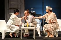Hra Platonov - Ztratil Hospodin trpělivost? ve Slováckém divadle v Uherském Hradišti.