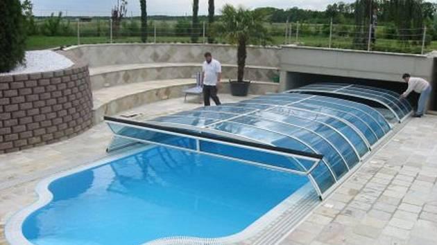 Niveko se zabývá výrobou bazénů.