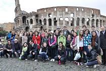 Pěvecký sbor Stojanova gymnázia v Římě. Ilustrační foto