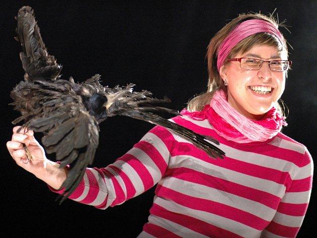 Hana Hložková (na snímku) chce atmosféru černého humoru přenést z jeviště do hlediště.