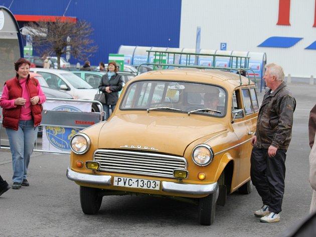 Na motoburze v Březolupech lze sehnat i součástky na historická auta. Ilustrační foto.