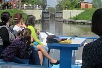 Baťův kanál zahájil svůj provoz symbolickým odemčením vodní hladiny ve čtvrtek 1. května.