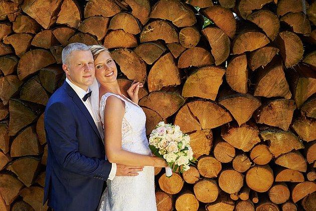 Soutěžní svatební pár číslo 111 - Anna a Michael Fojtů, Rožnov pod Radhoštěm