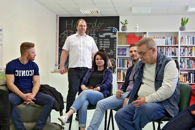 Na Apríla otevřeli v Uherském Hradišti sdílenou kancelář.