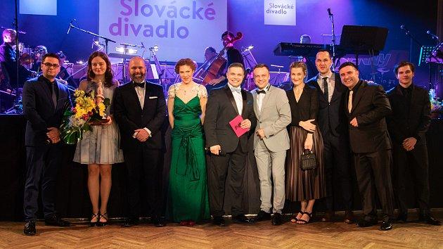 Ples Slováckého divadla a RayService
